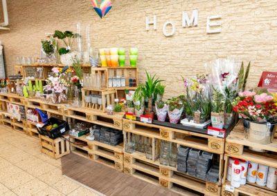 Deko-Artikel im Supermarkt in Kirchenlamitz