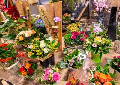 Schöne Blumensträuße vom Supermarkt nahkauf Schelter